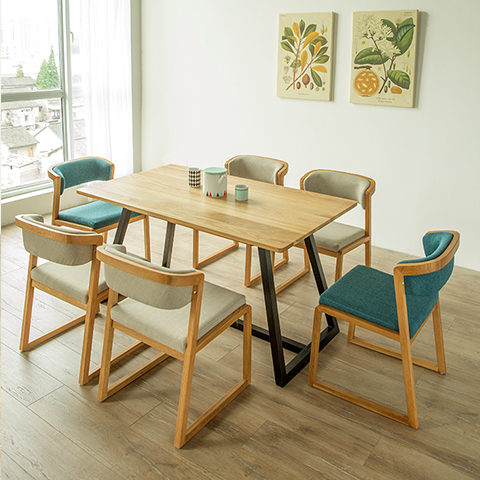 Hot Sale Modern Oak Solid Wood Dining table